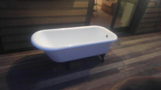 Tub Quality Reglaze | Restoring bathrooms and kitchens since 2008!